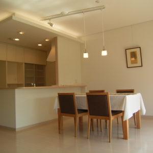 新築マンションの照明計画です。家具も提案しました。
