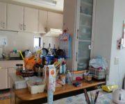 既設のダイニングキッチン。キッチンやカップボードは再利用しました。