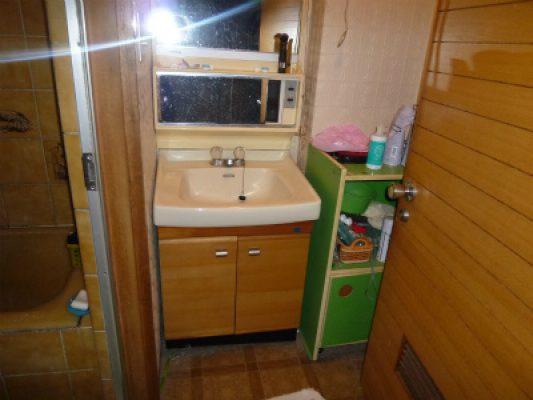 既設の3階の洗面。トイレに変わりました。