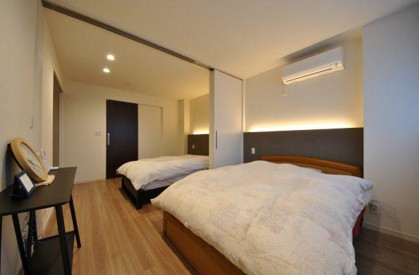 主寝室はお仕事で不規則になるため、間仕切りを設けてあります。
